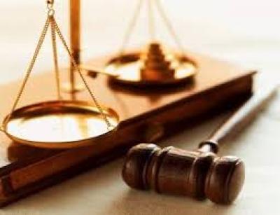 طرد قاضي المحكمة الجزائية لهيئة الدفاع عن الصحفيين العشرة المعتقلين في امانة العاصمة